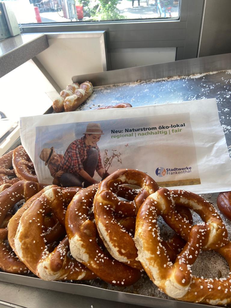 Grundversorgung regional: Stadtwerke Frankenthal am Brezelstand